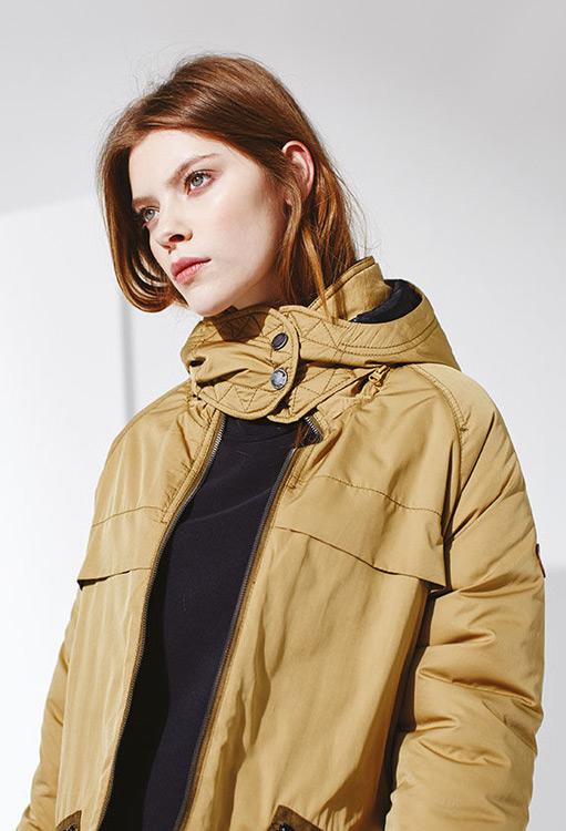 Bench — dámská zimní bunda s kapucí — hnědá parka — podzim/zima 2016