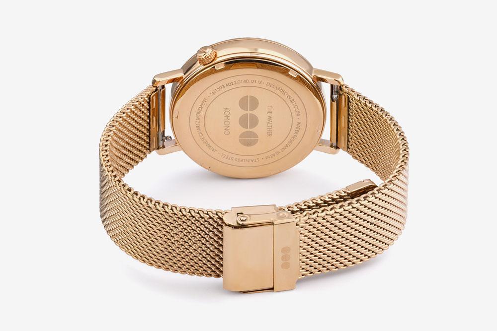 Komono Walther — hodinky — náramkové — ocelové pouzdro zlaté barvy, ocelový náramek zlaté barvy — zadní pohled