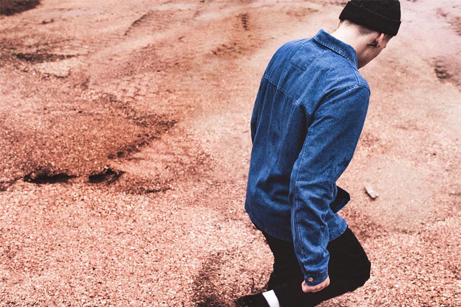 The Hive — podzimní pánská bunda s límečkem — džínová (jeansová) — modrá — pánské oblečení — podzim/zima 2016