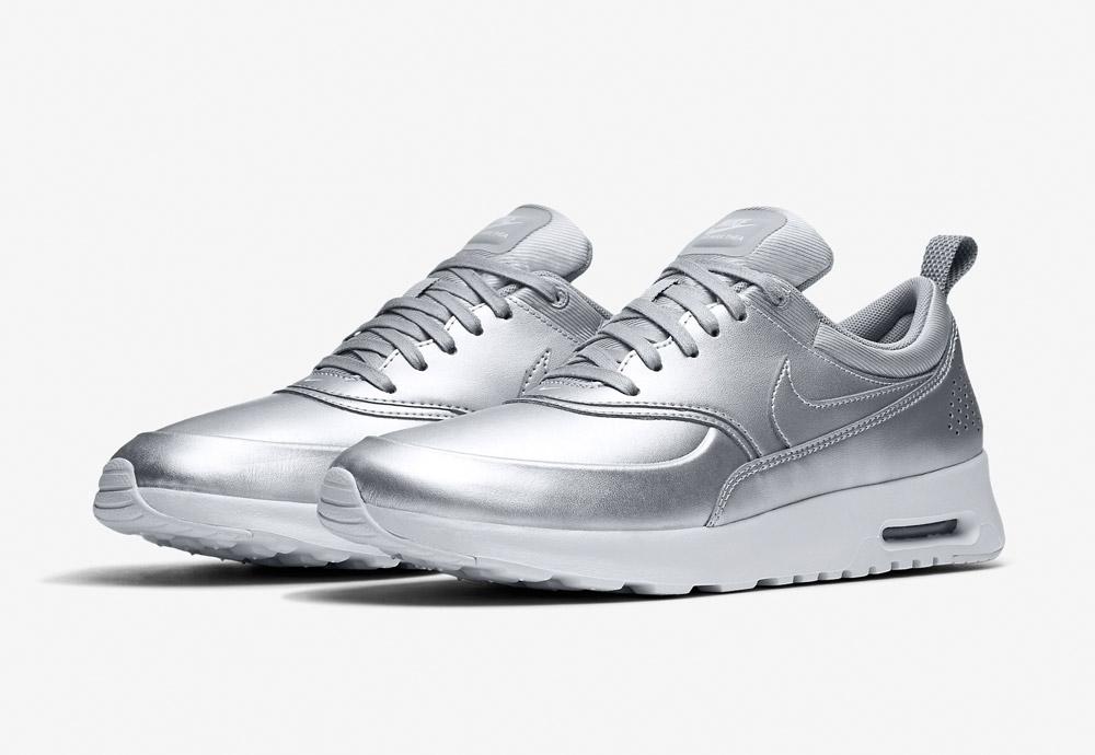 Nike Air Max Thea SE — dámské boty — tenisky — sneakers — metalické — stříbrné