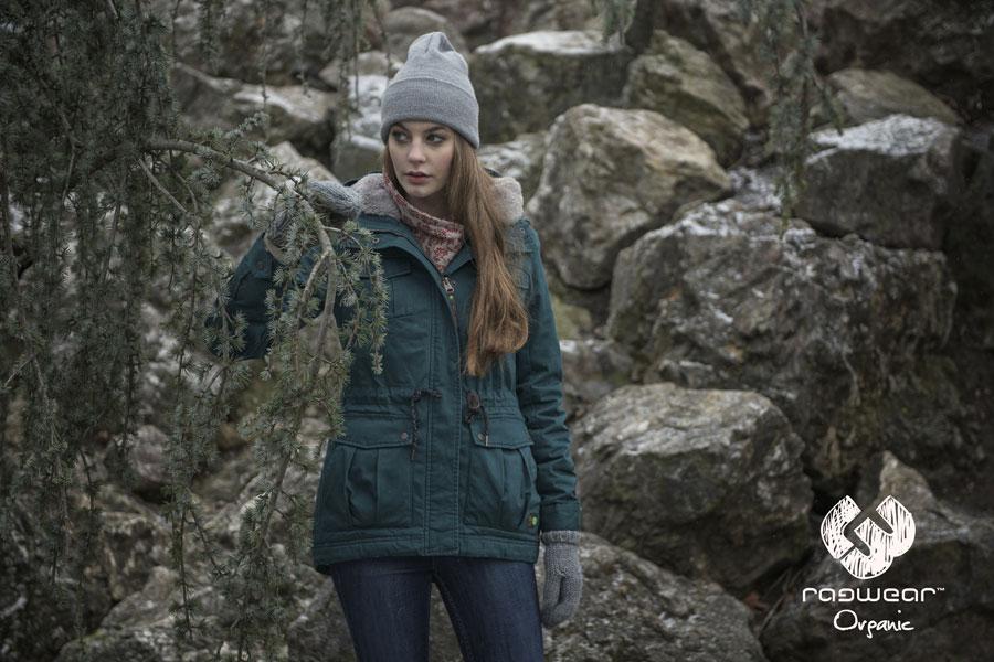 Ragwear — dámská zimní bunda s kapucí s kožíškem — tmavě zelená — podzim/zima 2016