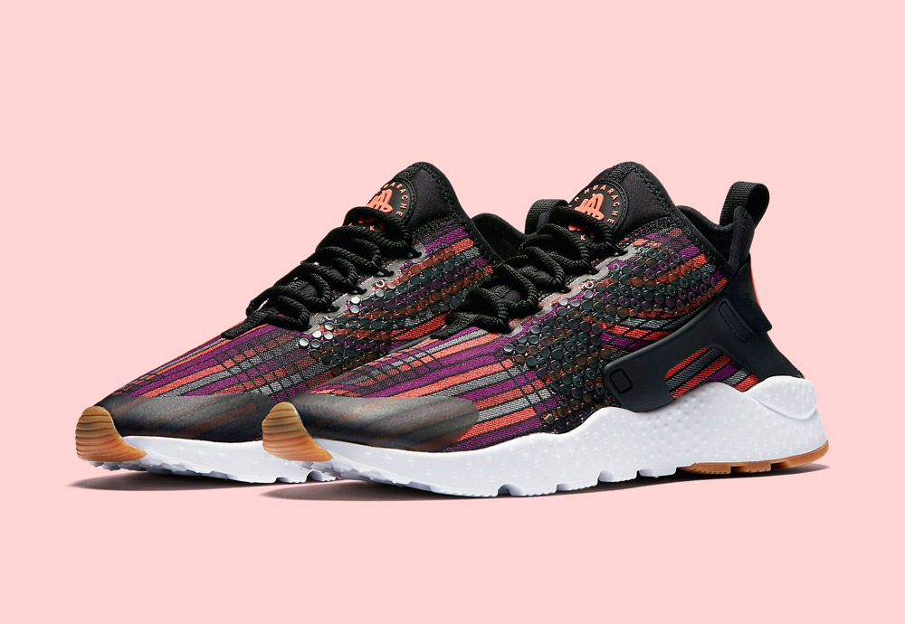 Nike Beautiful x Powerful Collection — Nike Air Huarache Ultra Jacquard Premium — dámské tenisky — boty — barevné — sneakers