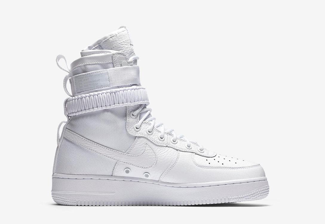 Nike Special Field Air Force 1 — dámské boty — kotníkové — sneakers — vysoké — bílé
