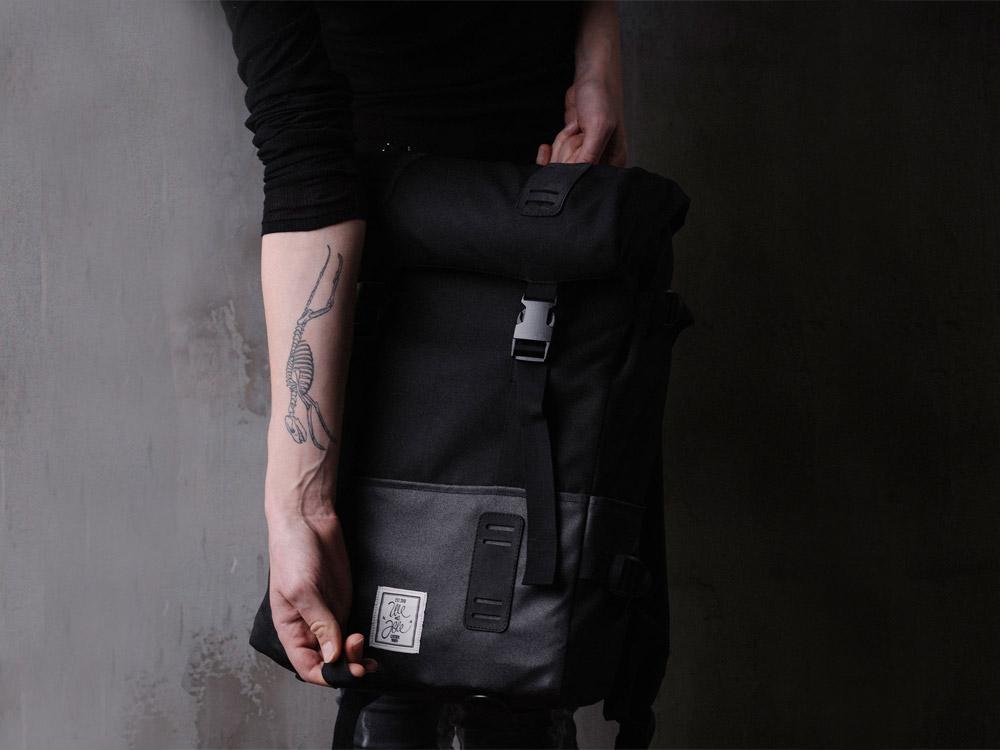 We Are Able — batoh — městský — šedo-černý — Jay Walker