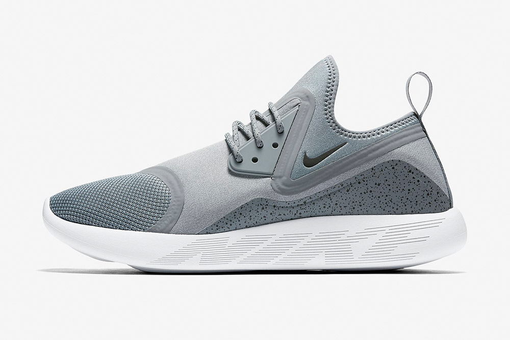 Nike LunarCharge Essential — boty — tenisky — sneakers — pánské, dámské — šedé
