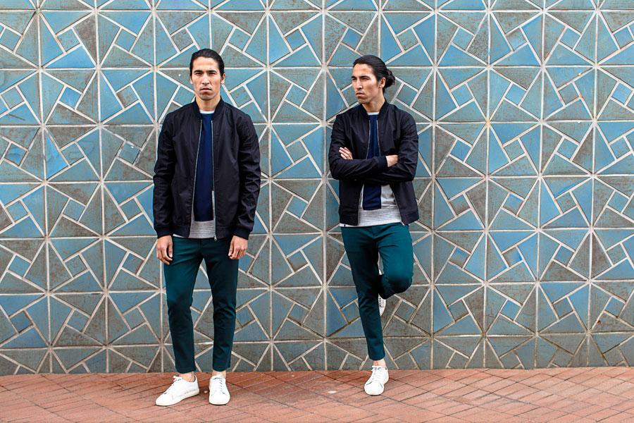 Anerkjendt — modrá pánská bunda do pasu — pánské krátké zelené kalhoty