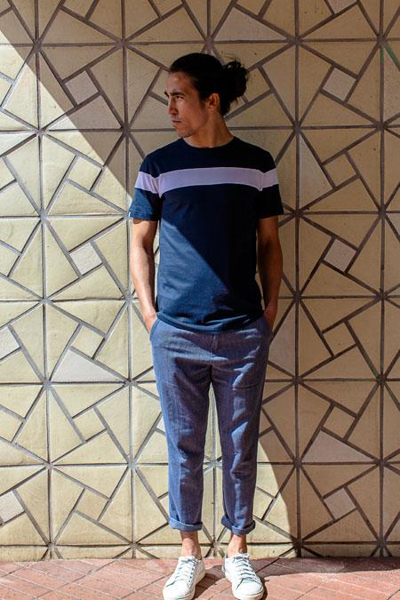 Anerkjendt — modré tričko s pruhem — pánské krátké kalhoty