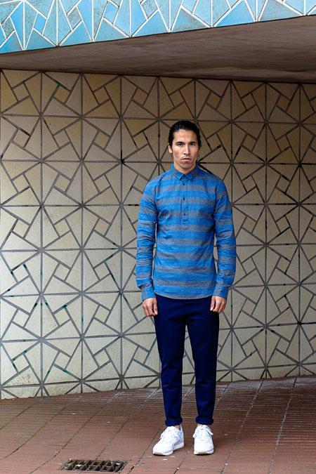 Anerkjendt — pánská modrá polokošile s pruhy — polo — modré kalhoty