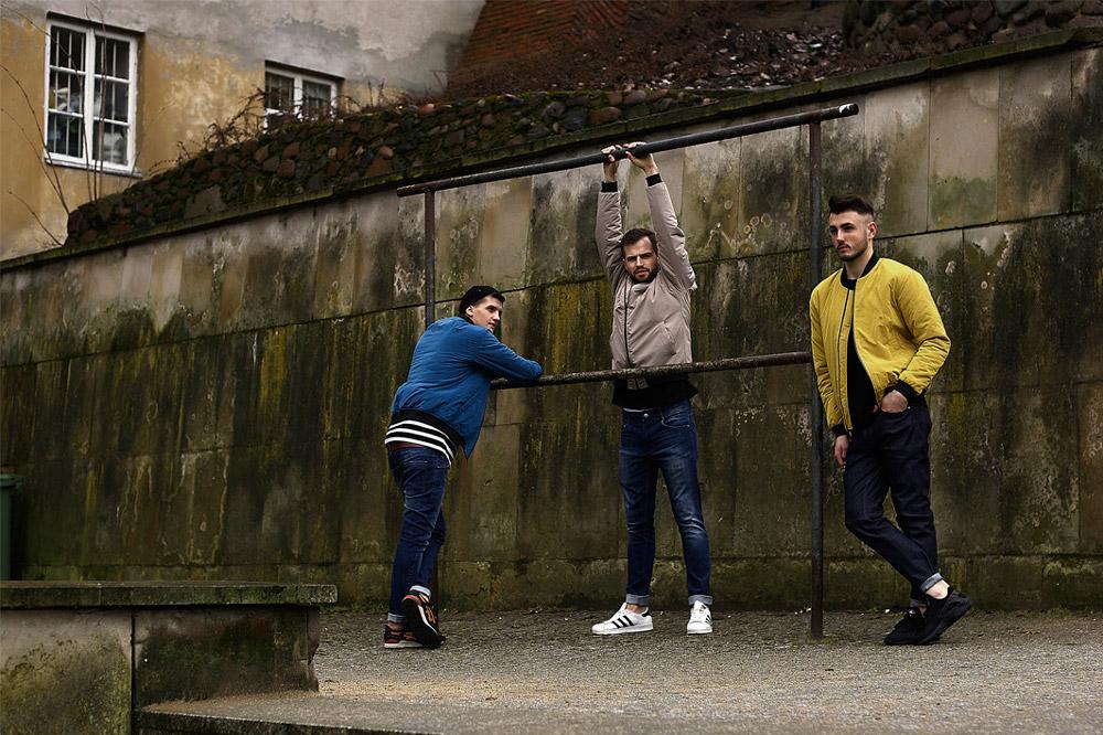 Amokrun — pánské bombery — bundy do pasu — modré džíny