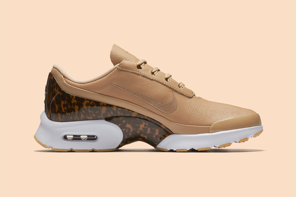 Nike Air Max Jewell LX — dámské tenisky — boty — sneakers — béžové, pískové — vachetta tan
