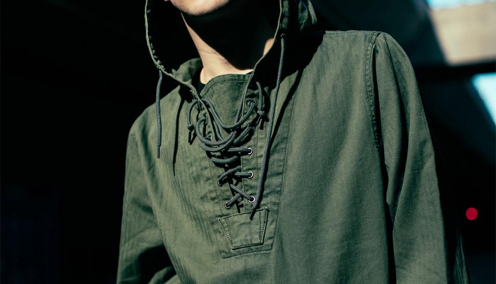 Alpha Industries — pánský pullover — pulovr s kapucí — tmavě zelený — jaro/léto 2017