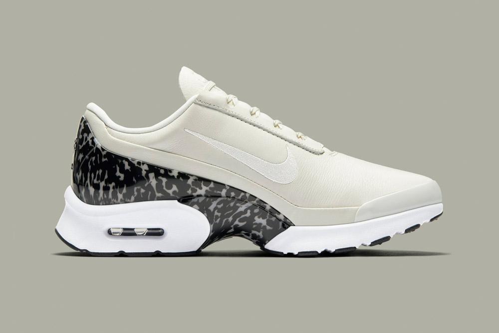 Nike Air Max Jewell LX — dámské tenisky — boty — sneakers — světle krémové — sail