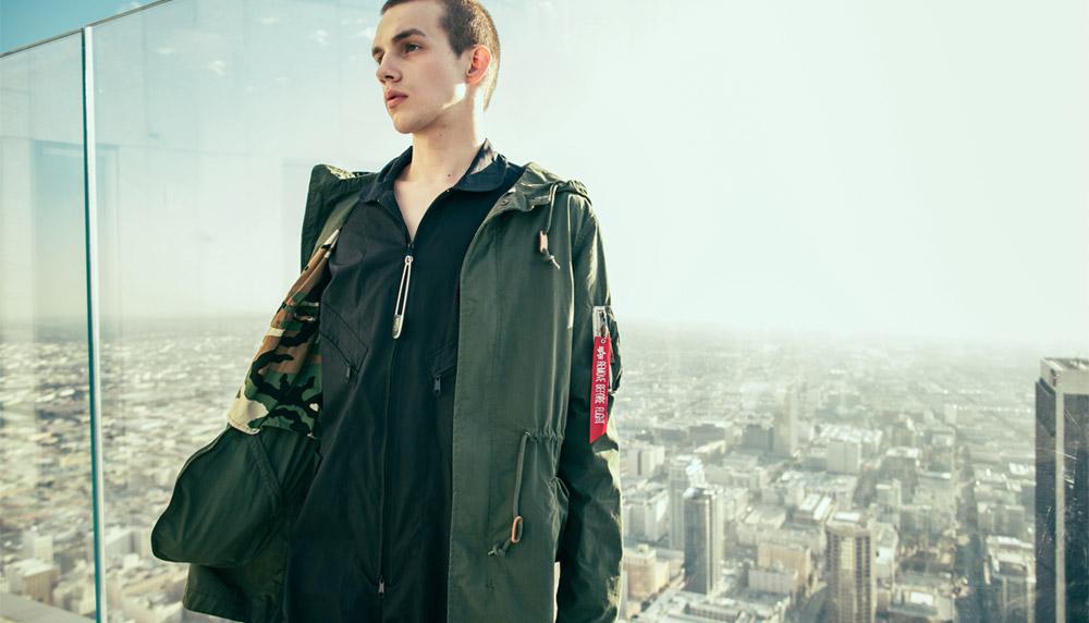 Alpha Industries — plátěná parka s kapucí — pánská bunda — tmavě zelená — jaro/léto 2017