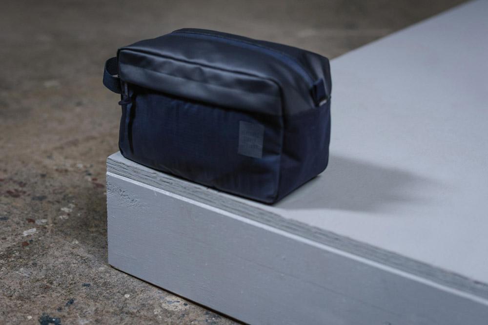 Herschel Supply — Studio — toaletní taštička — Chapter Travel Kit — tmavě modrá