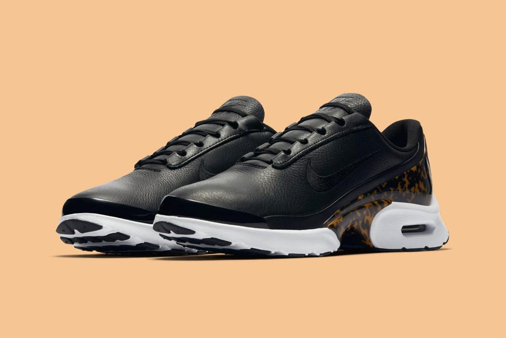 Nike Air Max Jewell LX — dámské boty — tenisky — sneakers — černé, tmavě hnědé — black