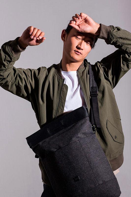 Ucon Acrobatics — taška přes rameno (batoh) — tmavě šedá — sustainable, vegan — Talib Backpack
