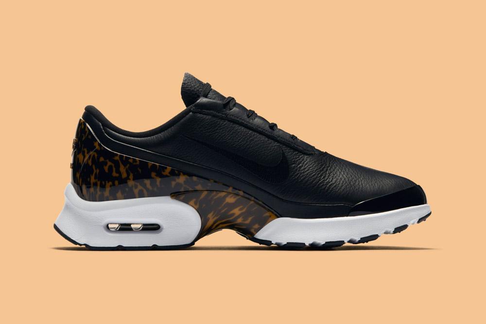 Nike Air Max Jewell LX — dámské tenisky — boty — sneakers — černé, tmavě hnědé — black