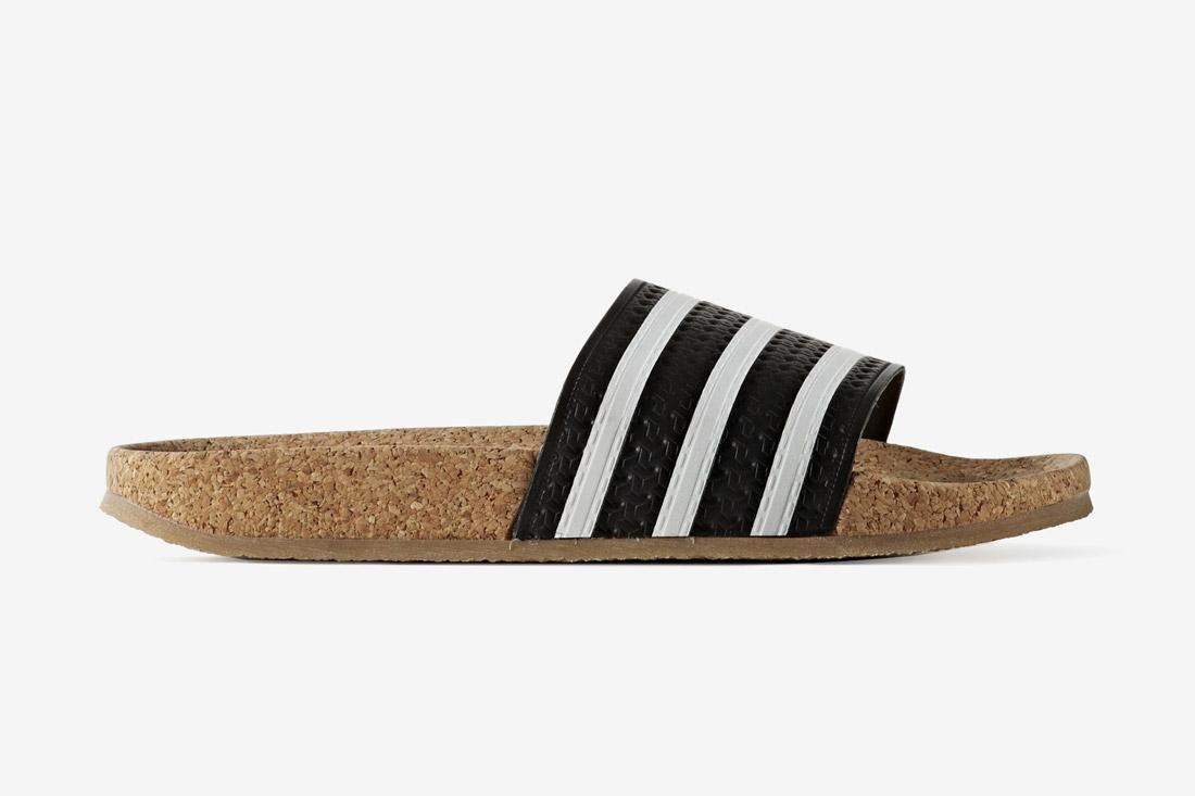 adidas Originals adilette Cork — korkové pantofle — slides — dámské — bílo-černé — nazouváky na léto
