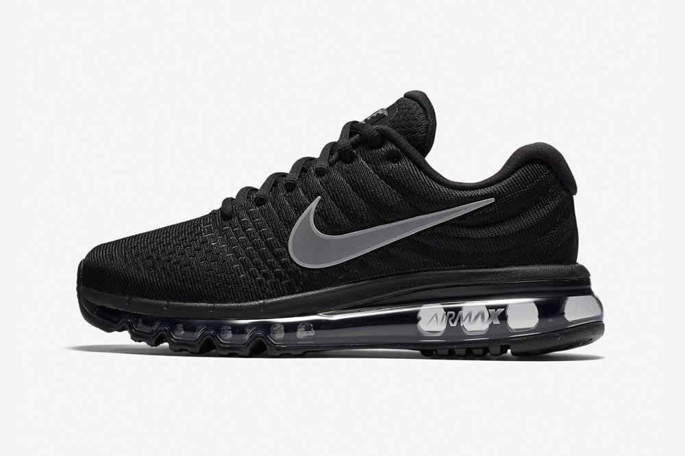 Nike Air Max 2017 — dámské běžecké boty — tenisky — sneakers — černé (black)