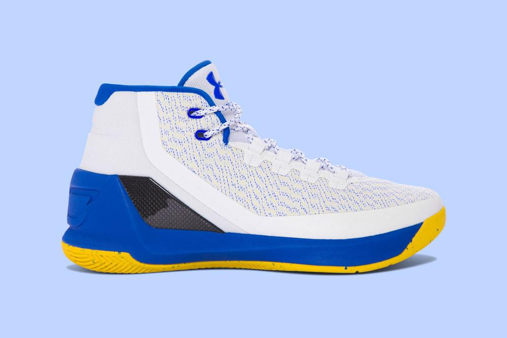 Under Armour Curry 3 — basketbalové boty — kotníkové — pánské — tenisky — sneakers — modro-bílé, žlutá podrážka (white, blue, yellow)