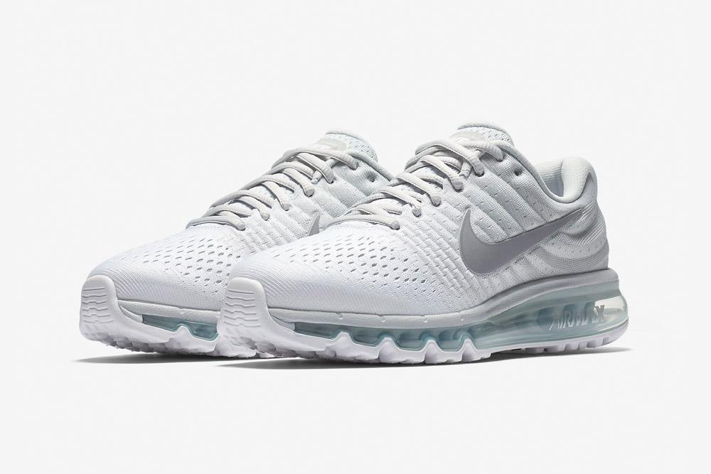 Nike Air Max 2017 — dámské běžecké boty — sneakers — tenisky — bílé (white)