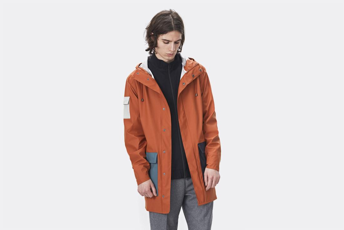 Rains LTD. — oranžový pršiplášť s kapucí — pláštěnka — raincoat — nepromokavá bunda — pánská — jaro/léto 2017