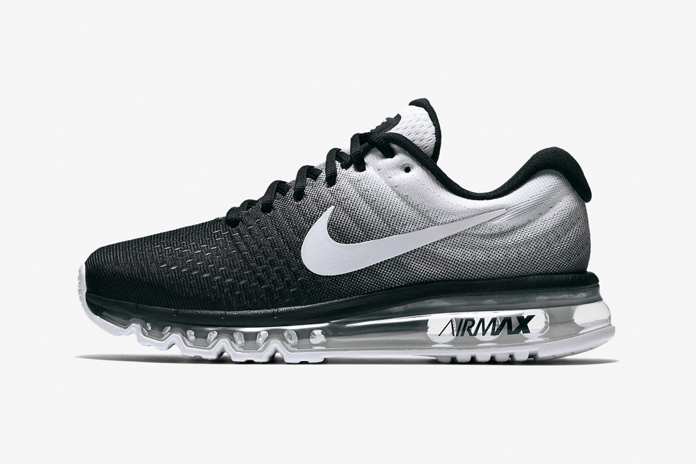 Nike Air Max 2017 — dámské běžecké boty — tenisky — sneakers — černé, bílé (black, white)