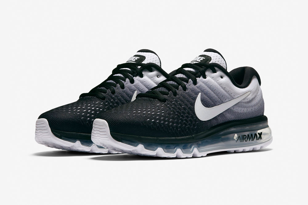 Nike Air Max 2017 — dámské běžecké boty — sneakers — tenisky — černé, bílé (black, white)