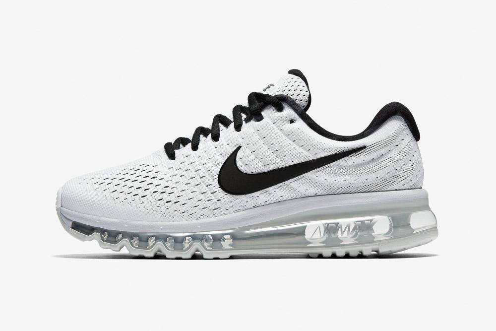 Nike Air Max 2017 — dámské běžecké boty — tenisky — sneakers — bílé, černé detaily (white, black details)