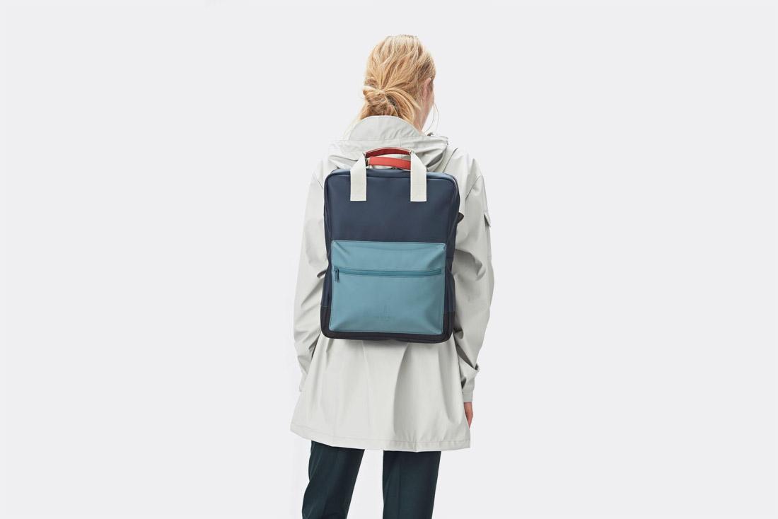 Rains LTD. — nepromokavý batoh — modrý — jaro/léto 2017