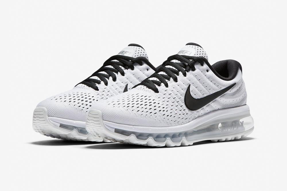 Nike Air Max 2017 — dámské běžecké boty — sneakers — tenisky — bílé, černé detaily (white, black details)