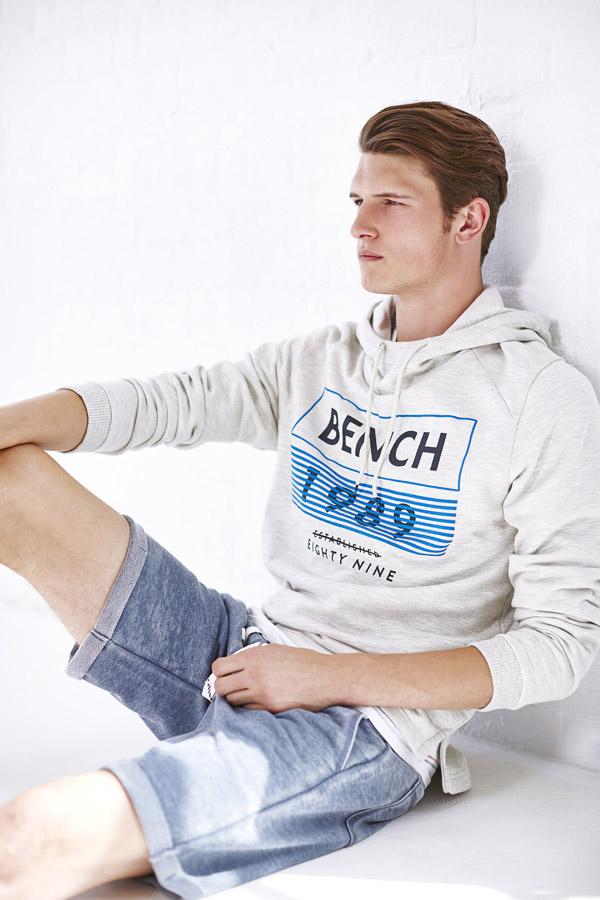 Bench — pánská mikina s kapucí — pánské šortky, kraťasy