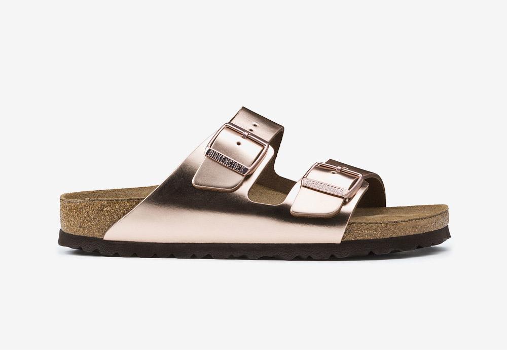 Korkové pantofle Birkenstock Arizona — dámské — metalické