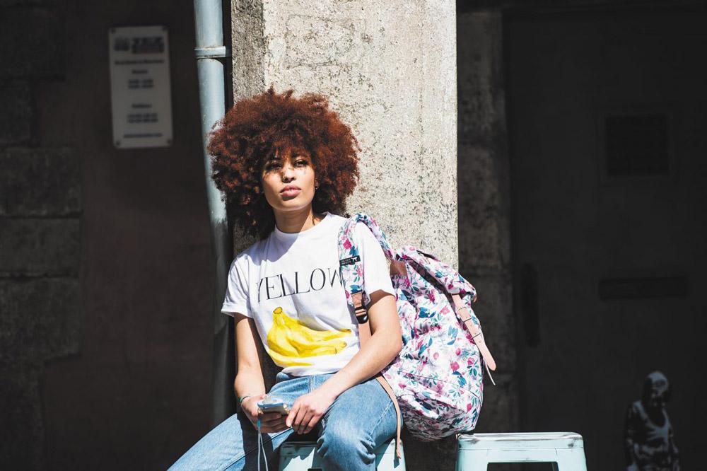 The Pack Society — barevný batoh s rostlinným vzorem — plátěné batohy — jaro/léto 2017