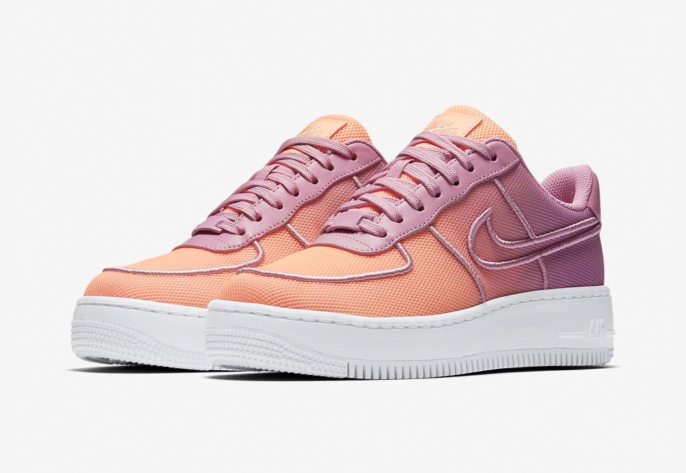 Nike Air Force 1 Low Upstep BR — boty na platformě — dámské — tenisky — sneakers — meruňkové, oranžovo-fialové