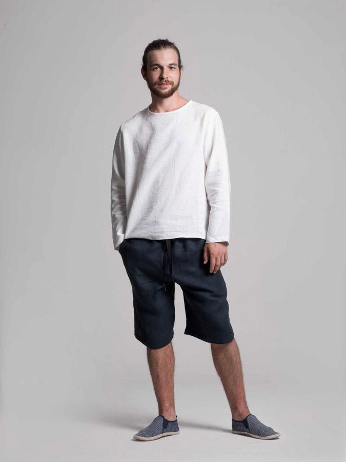 K.BANA — pánská lněná košile (bílá) — pánské lněné šortky (tmavě modré)