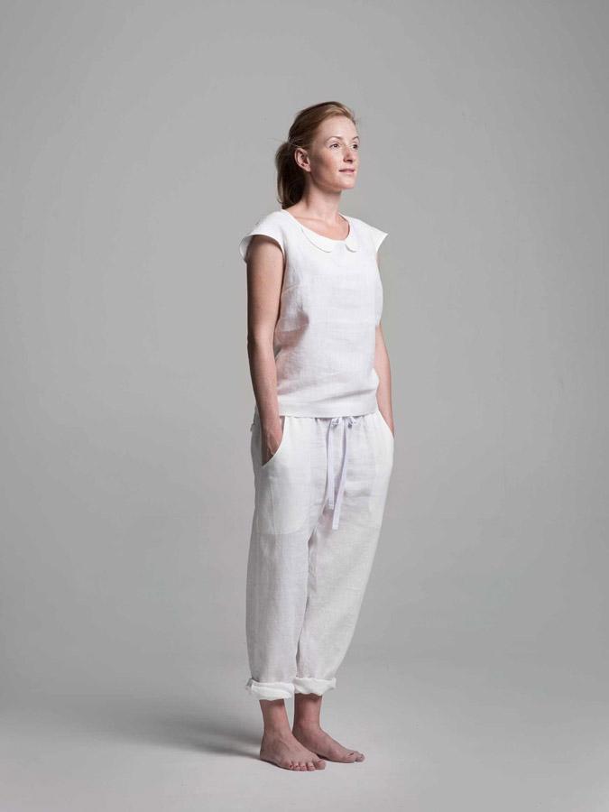 K.BANA — dámská lněná halenka (bílá) — dámské lněné kalhoty (bílé)