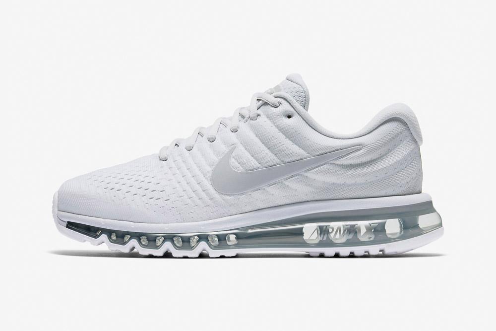 Nike Air Max 2017 — pánské boty — běžecké — tenisky — sneakers — bílé (white)
