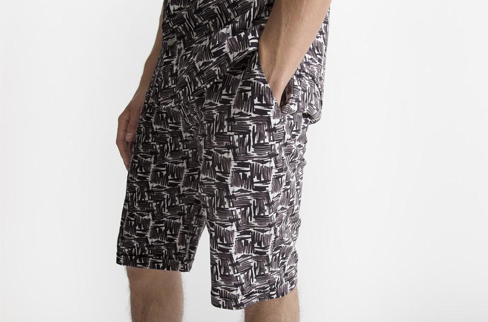 RVLT — šortky se vzorem