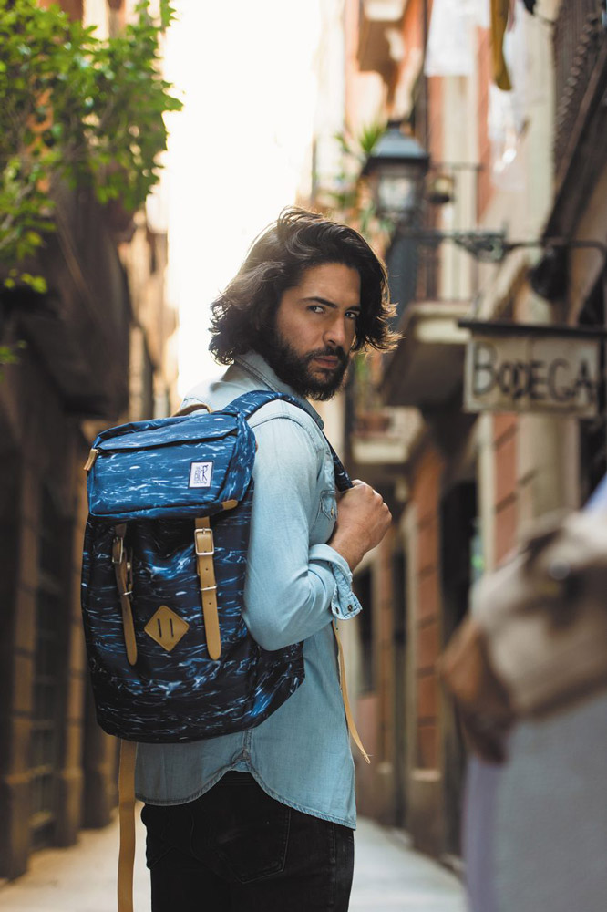 The Pack Society — modrý batoh se vzorem — plátěné batohy — jaro/léto 2017
