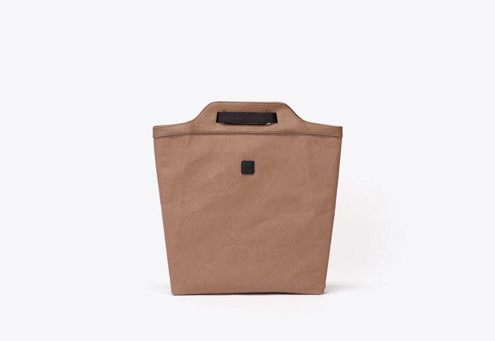 Ucon Acrobatics — hnědý batoh (taška) — veganský z celulózy a bavlny — Caithlyn Backpack — kolekce Paper