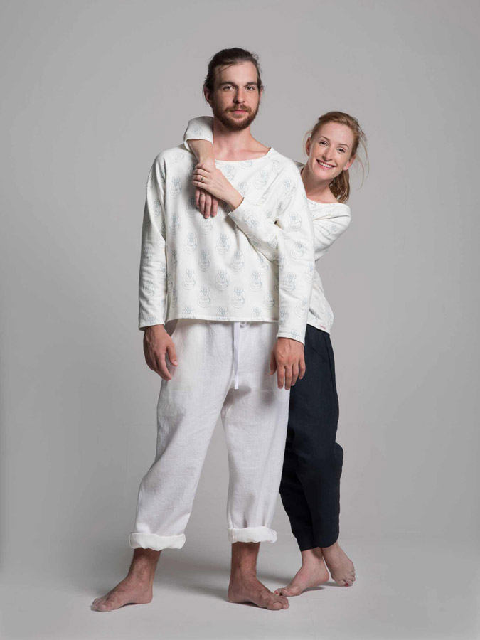 K.BANA — bavlněná bílá mikina s potiskem — pánská i dámská