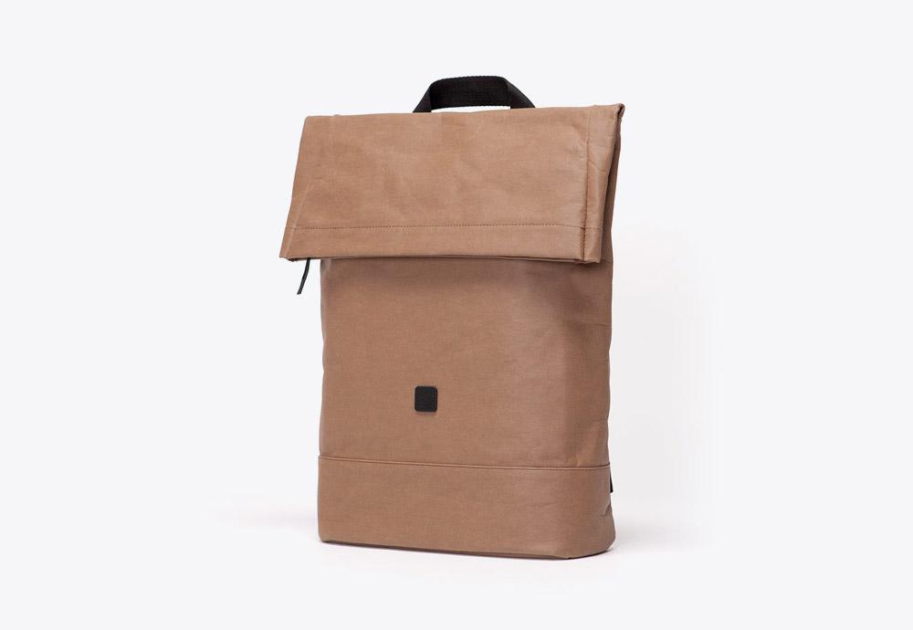 Ucon Acrobatics — batoh — fold-top — hnědý — veganský z celulózy a bavlny — Kane Backpak — kolekce Paper