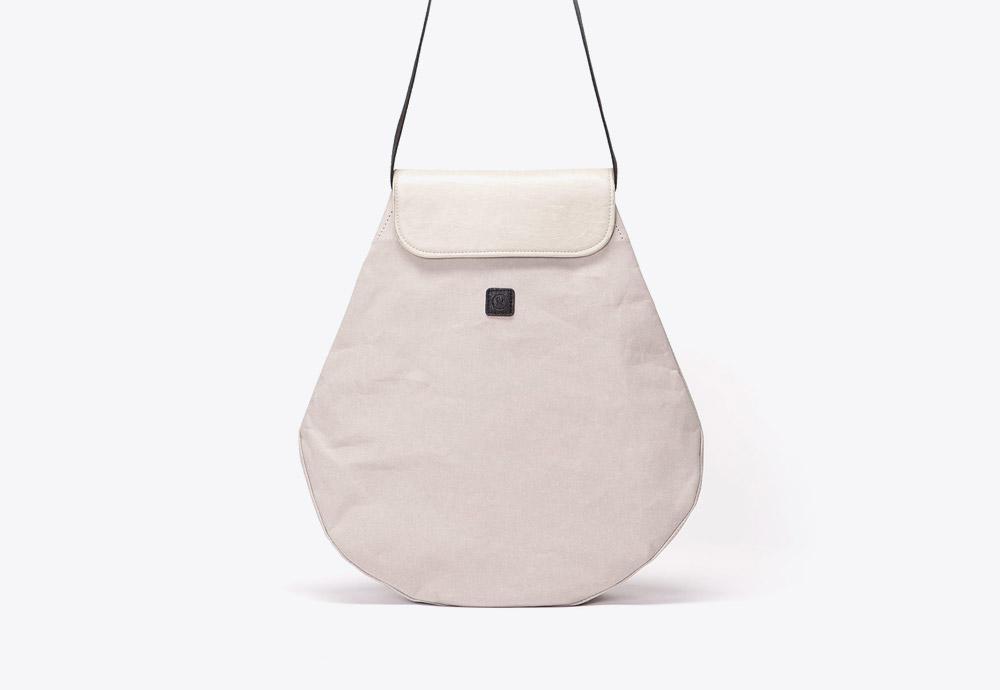 Ucon Acrobatics — batoh — krémový, šedý — veganský z celulózy a bavlny — Pernilla Backpack — kolekce Paper
