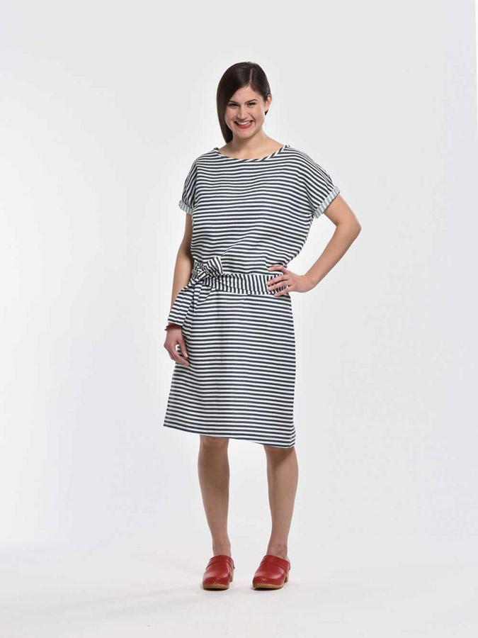 K.BANA — pruhované letní šaty ke kolenům — modro-bílé — dámské