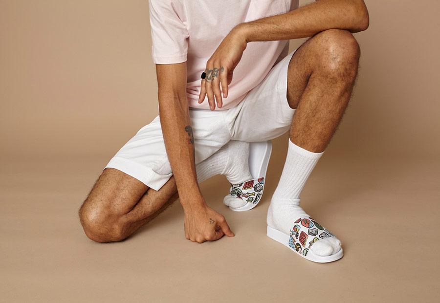 Letní pantofle Slydes — výrazné a barevné kosuky