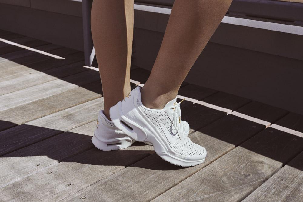 Nike Beautiful x Powerful x Elaine Thompson — dámské boty — Nike Air Max Jewell Premium QS — bílé tenisky — sneakers