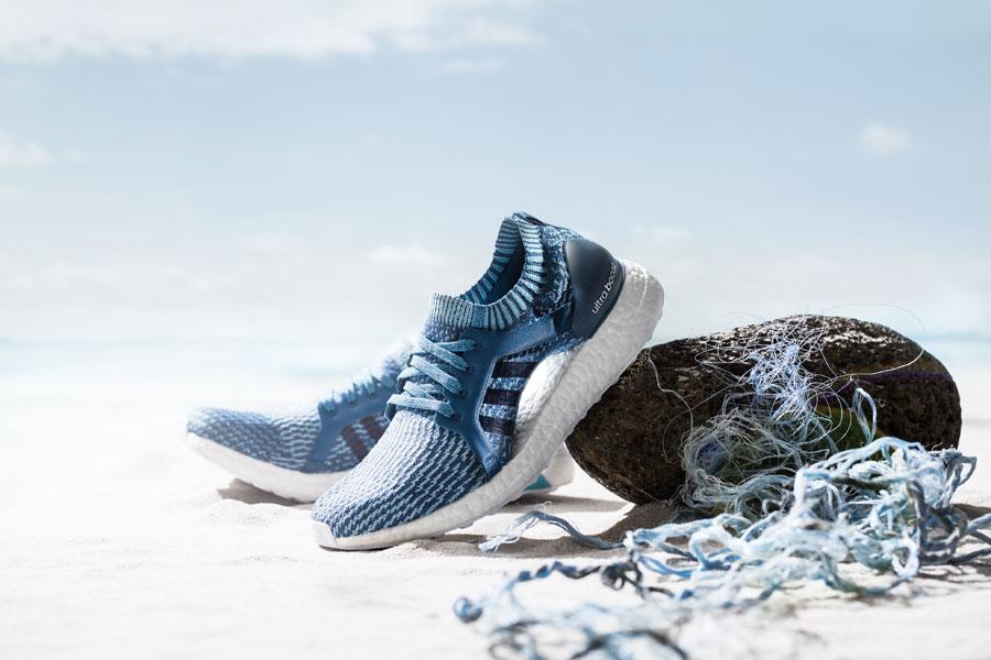 adidas UltraBOOST X Parley — běžecké boty — recyklované — tmavě modré