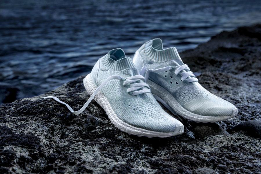 adidas UltraBOOST Uncaged Parley — běžecké boty — recyklované — světle modré