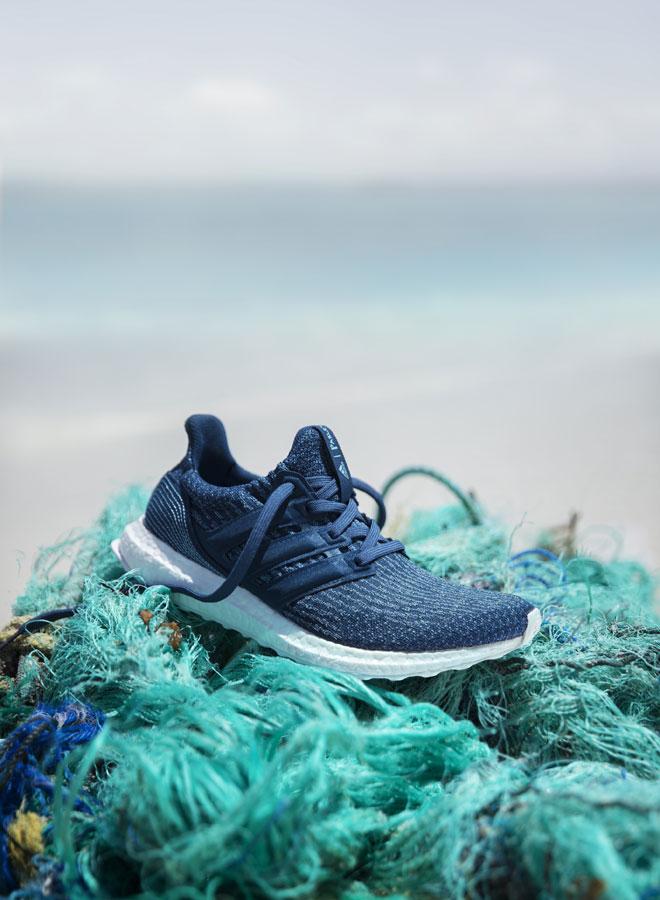 adidas UltraBOOST Parley — běžecké boty — recyklované — tmavě modré